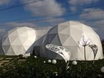 GEODETSKE KUPOLE -spojene 2 x12 m promjera ,površ. 250 m2,dvorane za svadbe..... RAKOV POTOK -Catering Franja